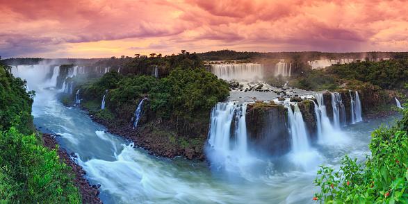 虹「Brazil, Iguassu Falls National Park」:スマホ壁紙(11)