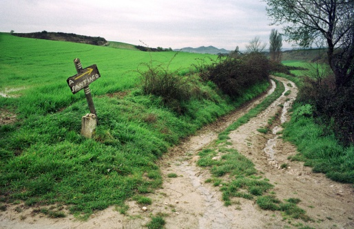 Footpath「The way of St James. Indicative sign in Cirauqui. Navarra.」:スマホ壁紙(12)