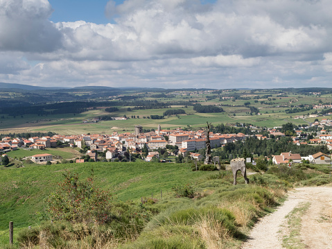 Camino De Santiago「The Way of Saint James following the GR65 in France from Le Puy to Les Faux」:スマホ壁紙(9)
