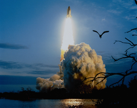 Space shuttle「Shuttle Columbia taking off」:スマホ壁紙(15)