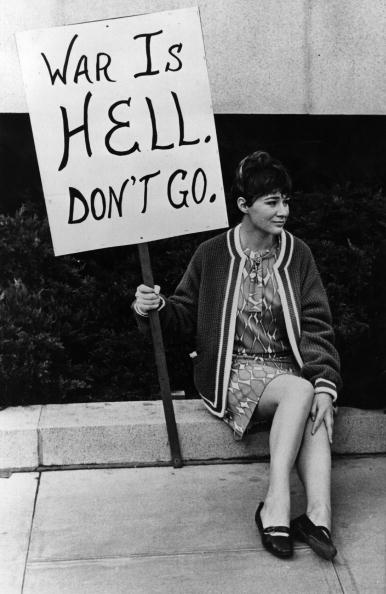 Banner - Sign「One Woman Protest」:写真・画像(19)[壁紙.com]