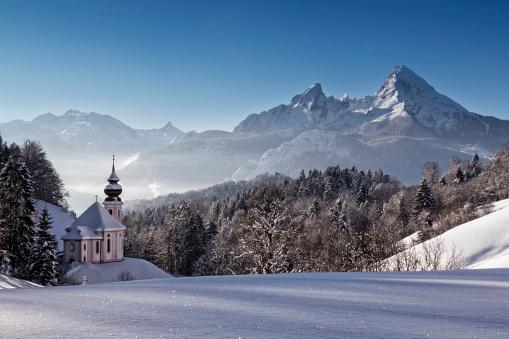 Bavarian Forest「Maria Gern Church with Watzmann in winter, Berchtesgadener Land, Bavaria, Germany」:スマホ壁紙(6)