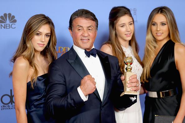 Daughter「73rd Annual Golden Globe Awards - Press Room」:写真・画像(11)[壁紙.com]