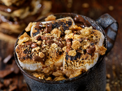 Toasted Food「Smores Hot Chocolate with Toasted Marshmallow」:スマホ壁紙(8)