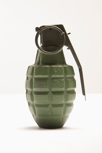 Bomb「Grenade」:スマホ壁紙(15)