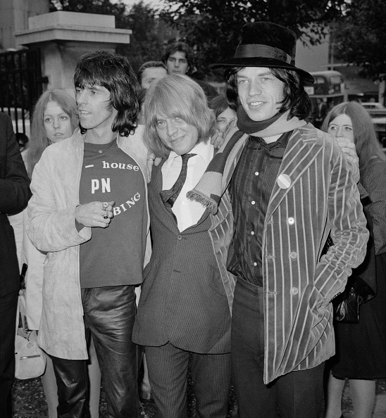 Paying「Brian Jones released after drugs charge」:写真・画像(10)[壁紙.com]