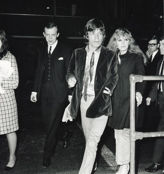 エンタメ総合「Jagger & Faithfull At Airport」:写真・画像(4)[壁紙.com]