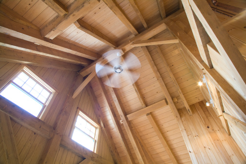 Ceiling Fan「roof construction in a timberframe house」:スマホ壁紙(17)