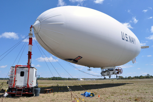 Airship「Fernandina Beach, Florida, March 26, 2013 - MZ-3A, the U.S. Navy's only airship currently in operation, moored at Fernandina Beach Municipal Airport. 」:スマホ壁紙(13)