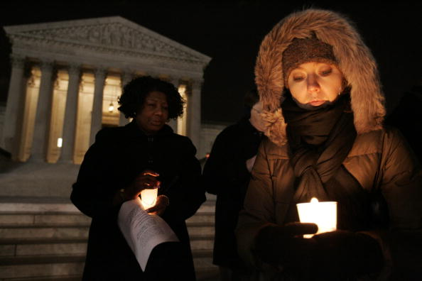 Idaho State Capitol「Ten Commandments Supporters Hold Supreme Court Candlelight Vigil」:写真・画像(0)[壁紙.com]