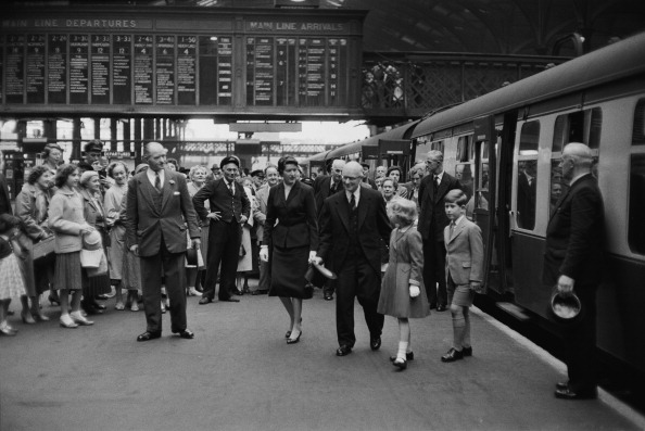 Photography「Royals By Rail」:写真・画像(2)[壁紙.com]