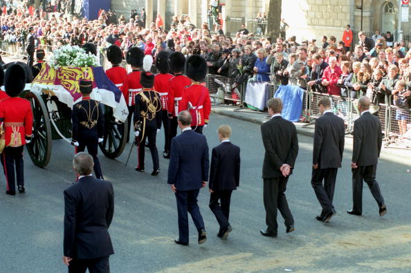 Funeral「Diana The Princess of Wales Funeral」:写真・画像(9)[壁紙.com]