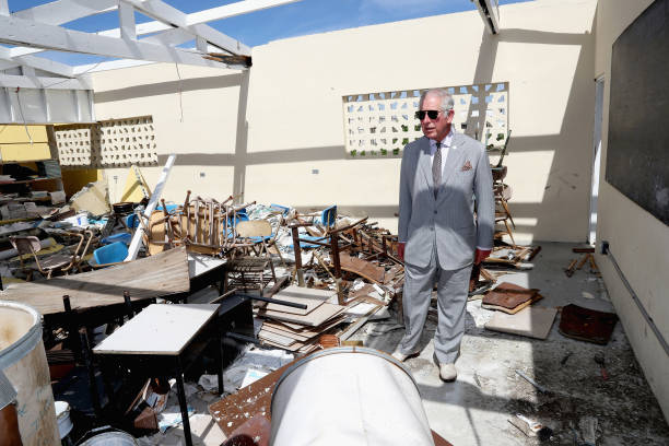 サングラス「The Prince Of Wales Visits The Caribbean - Day 2」:写真・画像(2)[壁紙.com]