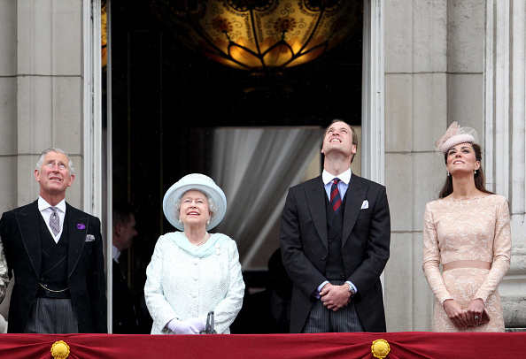 William S「Diamond Jubilee - Carriage Procession And Balcony Appearance」:写真・画像(14)[壁紙.com]