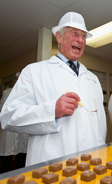 Sweet Food「The Prince Of Wales Visits 'The House Of Dorchester' Chocolate Makers In Poundbury」:写真・画像(3)[壁紙.com]