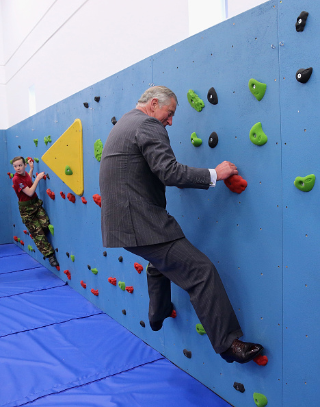 Climbing「Prince Of Wales And Duchess Of Cornwall Visit The Channel Islands - Day One」:写真・画像(12)[壁紙.com]
