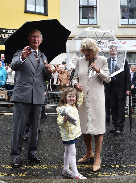 Charles McQuillan「Prince Of Wales And Duchess Of Cornwall Visit Northern Ireland」:写真・画像(4)[壁紙.com]