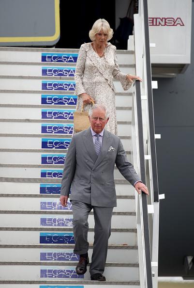 男「The Prince Of Wales And Duchess Of Cornwall Arrive In Cuba」:写真・画像(17)[壁紙.com]