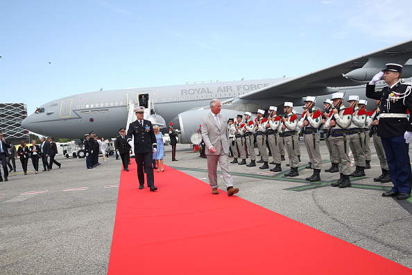 Nice Côte d'Azur Airport「Prince Of Wales And Duchess Of Cornwall Visit Greece」:写真・画像(8)[壁紙.com]
