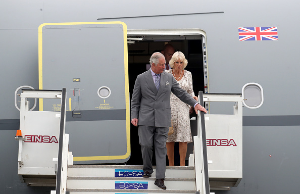 男「The Prince Of Wales And Duchess Of Cornwall Arrive In Cuba」:写真・画像(18)[壁紙.com]