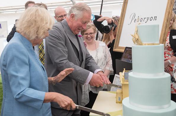 スイーツ「The Prince Of Wales And Duchess Of Cornwall Visit Devon And Cornwall - Day 1」:写真・画像(3)[壁紙.com]