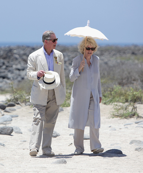 Straw Hat「Prince Charles And Camilla, Duchess of Cornwall Galapagos Tour - Day 2」:写真・画像(8)[壁紙.com]