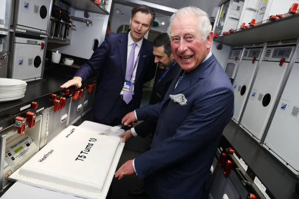 The Prince Of Wales Visits Heathrow Airport:ニュース(壁紙.com)