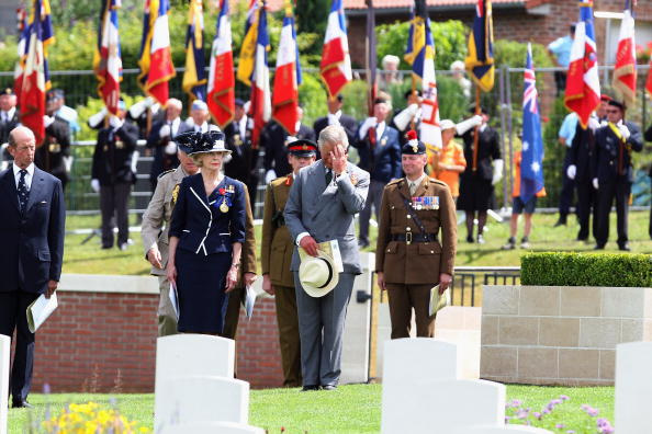 Medium-length Hair「Opening Of Fromelles Military Cemetery And Reburial Of The 250th Soldier」:写真・画像(11)[壁紙.com]