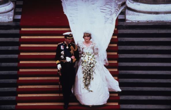 結婚「Prince Charles Marries Lady Diana Spencer」:写真・画像(19)[壁紙.com]