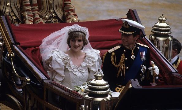 結婚「Prince Charles Marries Lady Diana Spencer」:写真・画像(6)[壁紙.com]