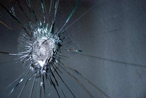 Bulletproof Glass「Broken bulletproof glass」:スマホ壁紙(4)