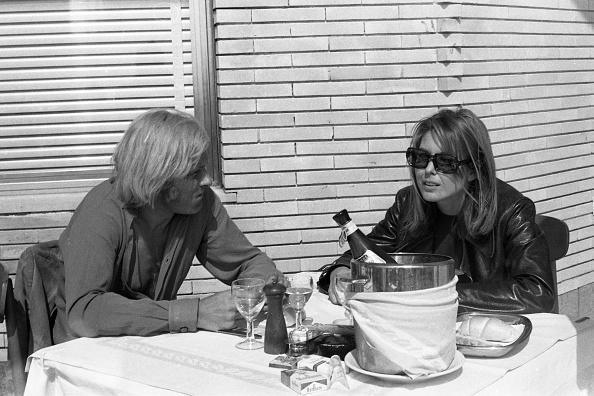 春「Actress Dominique Boschero eating out with American actor William Berger, Fregene 1968」:写真・画像(0)[壁紙.com]