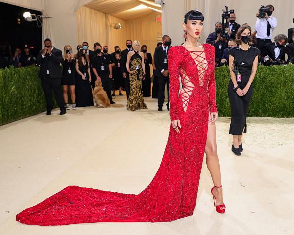サイハイスリット「The 2021 Met Gala Celebrating In America: A Lexicon Of Fashion - Arrivals」:写真・画像(5)[壁紙.com]