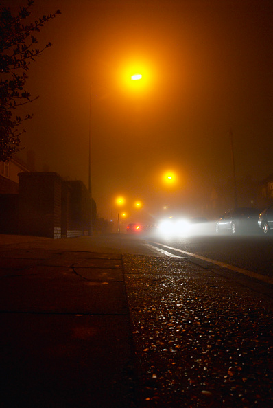 Street Light「Vehicles driven on an urban street at night, Ipswich, UK」:写真・画像(19)[壁紙.com]