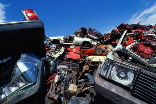 Rusty「Piles of old cars in scrap metal yard, close-up」:スマホ壁紙(19)