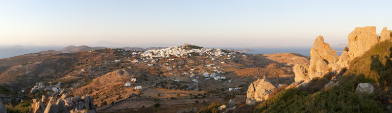 パトモス島「Panoramic view of Chora from Profiti Ilias」:スマホ壁紙(15)