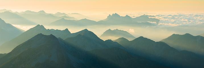 Lechtal Alps「Panoramic view of Allgäu and Lechtal Alps」:スマホ壁紙(15)