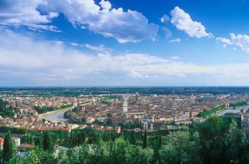 アディジェ川「Panoramic view to Verona」:スマホ壁紙(15)