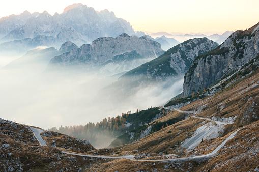Julian Alps「Panoramic View From Mountain Mangart In Julian Alps」:スマホ壁紙(17)