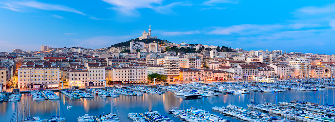 France「Panoramic View of The Vieux Port (Old Port) in Marseille at Twilight, France」:スマホ壁紙(8)