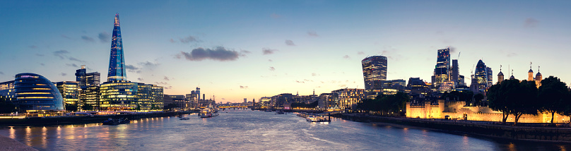 122 Leadenhall Street「Panoramic view of the City Hall, the Shard and City of London at dusk」:スマホ壁紙(18)