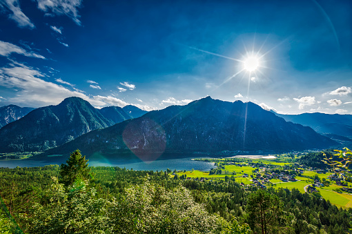 Salzkammergut「panoramic view of mountain lake (HDRi)」:スマホ壁紙(1)