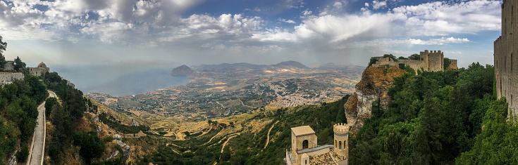 カラフル「シチリアの風景のパノラマ ビュー」:スマホ壁紙(6)