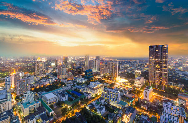 Panoramic view Cityscape business district from aerial view high building at dusk (Bangkok, Thailand):スマホ壁紙(壁紙.com)