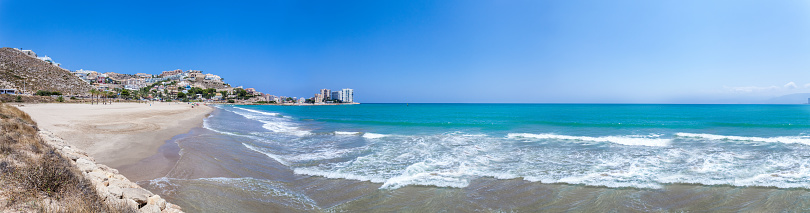 Unrecognizable Person「Panoramic view of Cullera beach and village」:スマホ壁紙(4)