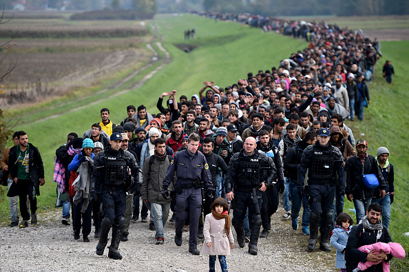 Refugee「Migrants Cross Into Slovenia」:写真・画像(7)[壁紙.com]