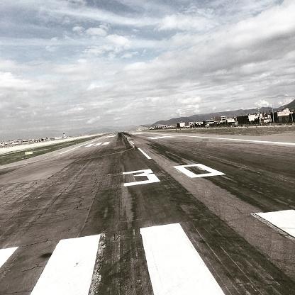 Square「Airport runway」:スマホ壁紙(9)