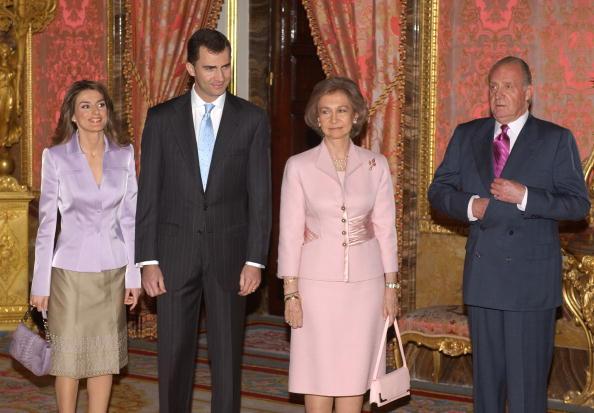 Madrid Royal Palace「Spanish Royals Receive Spanish Writers」:写真・画像(11)[壁紙.com]