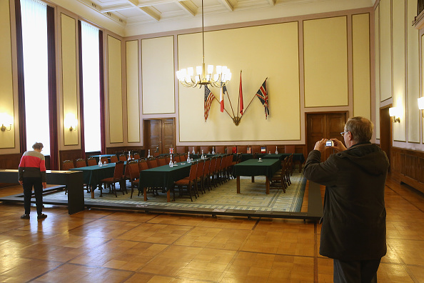 Surrendering「The Room Where Nazi Germany Surrendered In WW2」:写真・画像(1)[壁紙.com]
