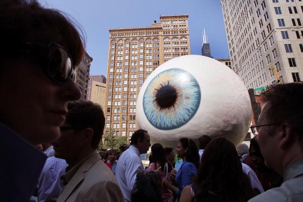 Sculpture「30-Foot Eyeball Sculpture Debuts In Chicago Park」:写真・画像(10)[壁紙.com]